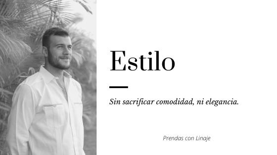 Guapos, cómodos y felices: tenemos la solución para tu evento. Foto de modelo en blanco y negro usando guayabera de lino entre palmeras